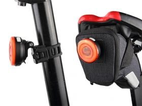 RAVEMEN CL05 USB rechargeable bike light 30lm with ambient light sensor